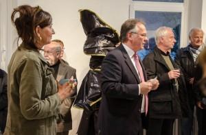 Bürgermeister Stefan Schwenke und Susanne Weichberger eröffnen die Ausstellung